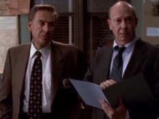 Law & Order: Special Victims Unit 01x03 : …Or Just Look Like One- Seriesaddict